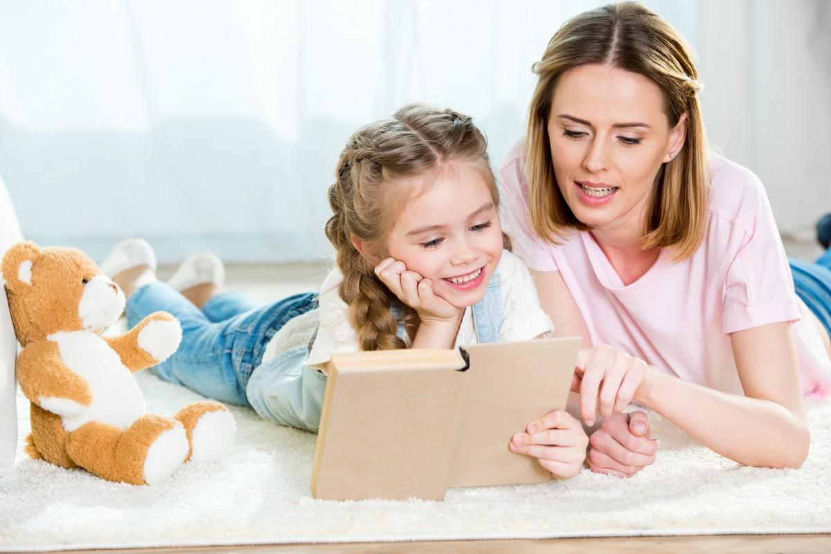 Kodėl taip svarbu skaityti savo vaikams balsu